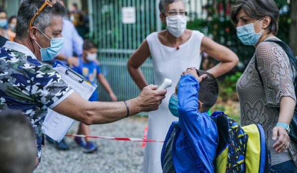 Covid: Veneto, +800 contagi e 9 morti