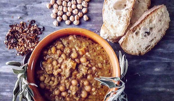 Mangia zuppa scongelata da giorni, intossicato da botulino