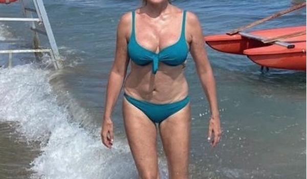 Il «mare più bello» di Melissa Satta: l'estate 2020 è in Sardegna