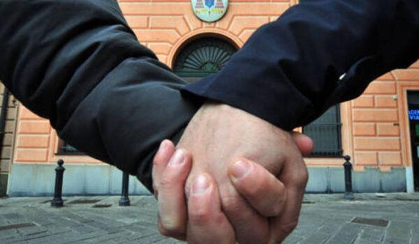 Aggrediti a Padova per bacio gay,ferito amico che li difende