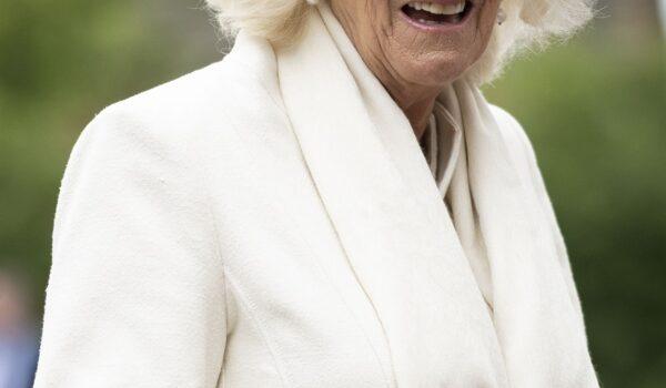 La prima immagine di Camilla dopo il lutto e gli altri gossip del weekend