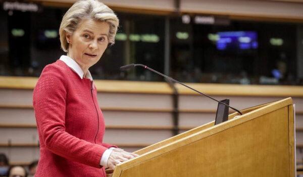 Fonti Ue, deroga brevetti vaccini discussa a summit Oporto